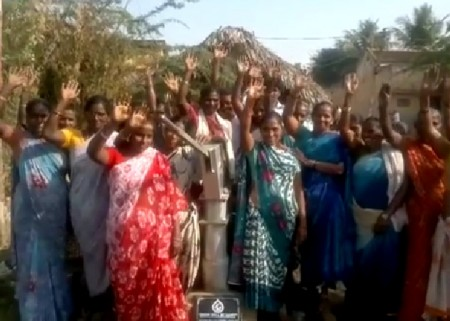 The Yeguva Sivada community with their new well