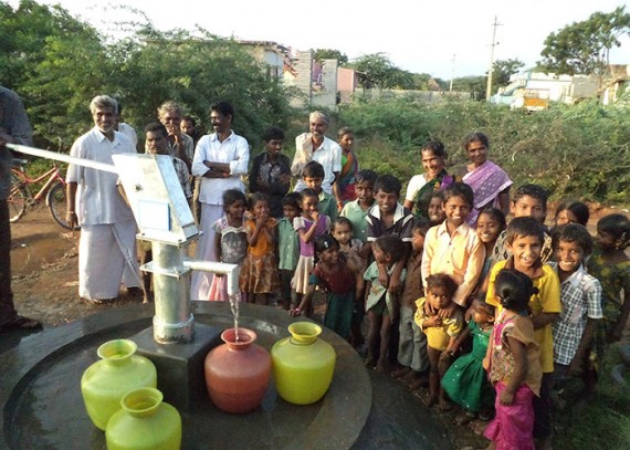 The Balajinagar Yanadi community with their new well