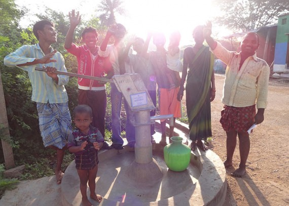 The people of Darbarupeta with their new well