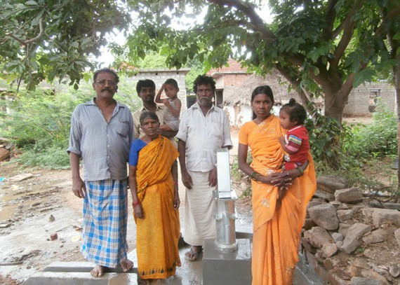 The people of Konduvaripalli with their new well
