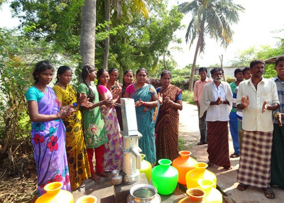 The people of Rasayipeta with their new well