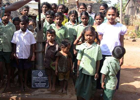 The Gummeregula community with their new well