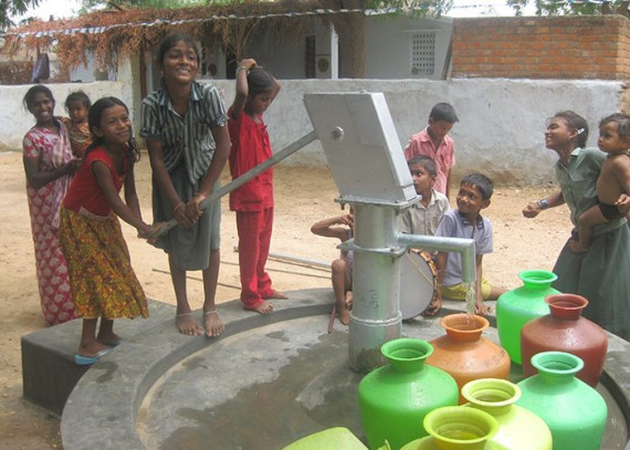 The children of Ippenta with their new well