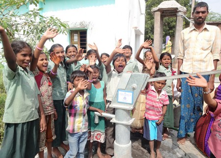 The children of Muddamvaripalli with their new well