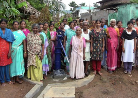 The Murikavada community with their new well