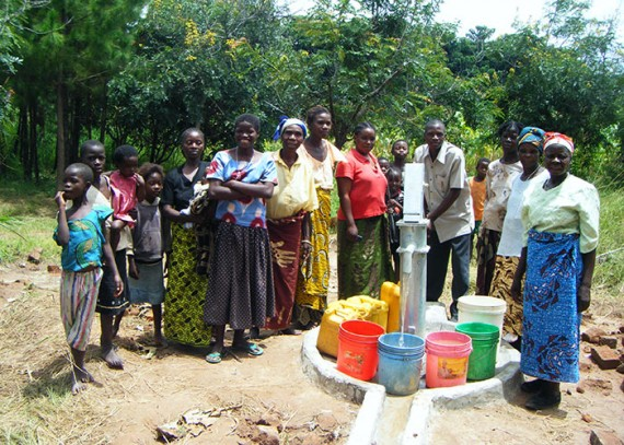 The Mushipi community with their new well