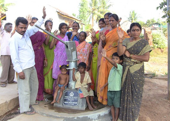 The people of Nayag with their new well