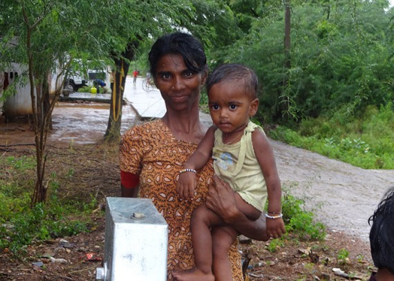A Nagisettipalli villager and her child