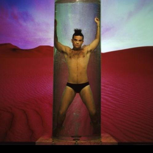 Robbie Williams – square
