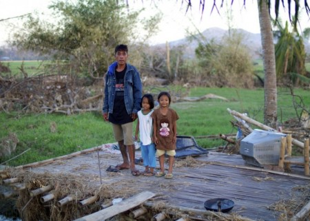Mark Tizon with his daughters_Low Res (3) (1)
